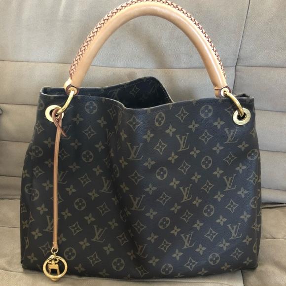 3f2782194a22 Louis Vuitton Handbags - Louis Vuitton Artsy MM Monogram Hobo Bag